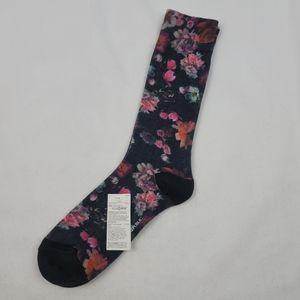 NWT Banana Republic soft floral socks